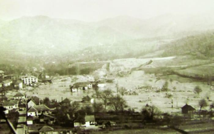 300.000 tonna ciános zagy megállíthatatlanul zúdult | ClimeNews - Hírportál