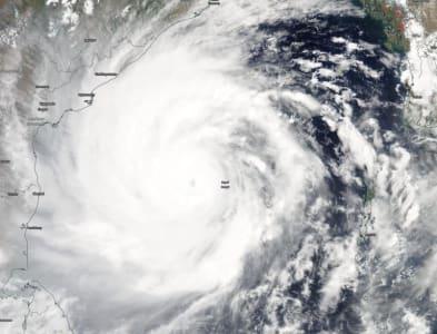 Kétmillió embert evakuálnak egy ciklon miatt   ClimeNews - Hírportál