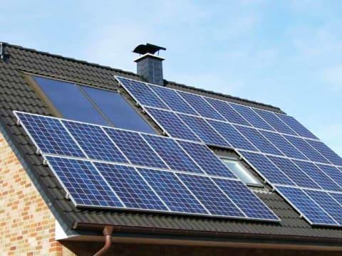 Kiszámolják helyettünk, megéri-e napelemet tenni a tetőre   ClimeNews - Hírportál