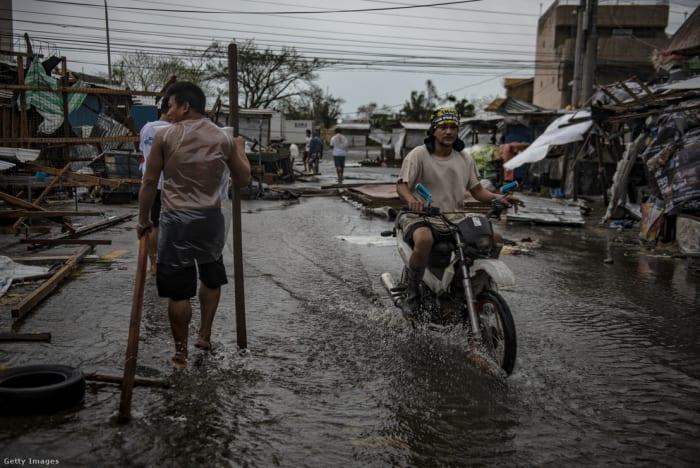 A Mangkhut szupertájfun által letarolt város a Fülöp-szigeteken 2018 szeptemberében Fotó: Jes Aznar / Getty Images Hungary | Climenews - Hírportál