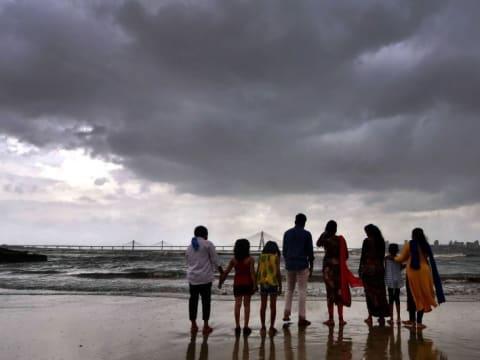 Kétmillió embert evakuálnak egy ciklon miatt | ClimeNews - Hírportál