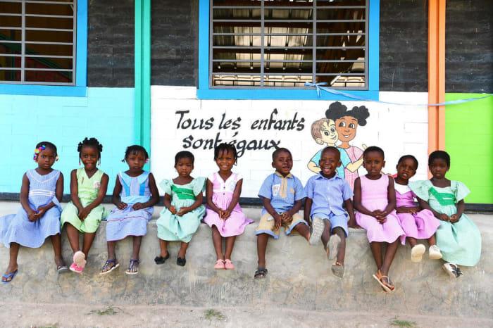 Iskola műanyag hulladékból   ClimeNews