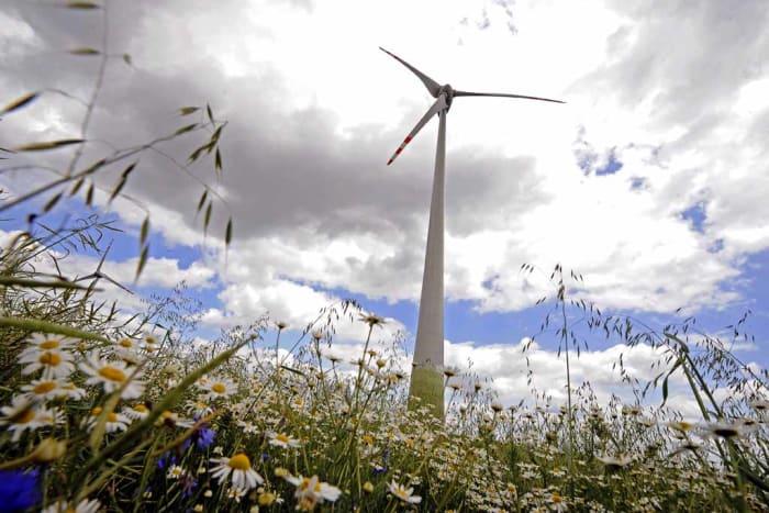 szeleromu-szelturbina-zold-energia - Visszadobta Áder a szélerőműveket tiltó törvényt - ClimeNews