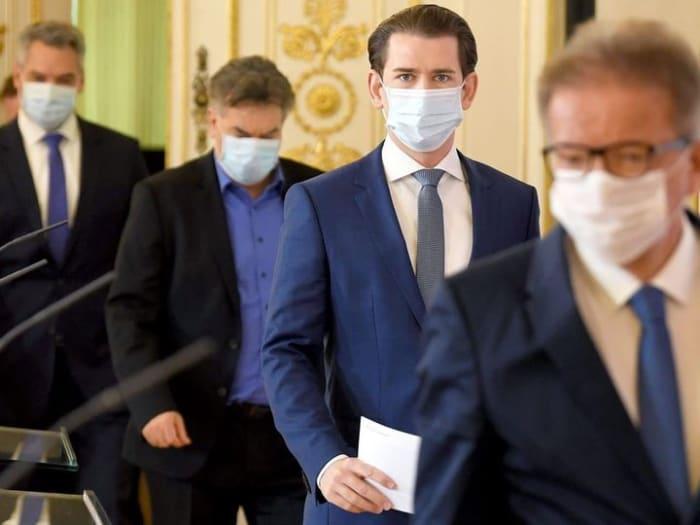 Ausztriában is megtörtént a hét elején az első feljelentés: 330 oldalas bűnvádirat!