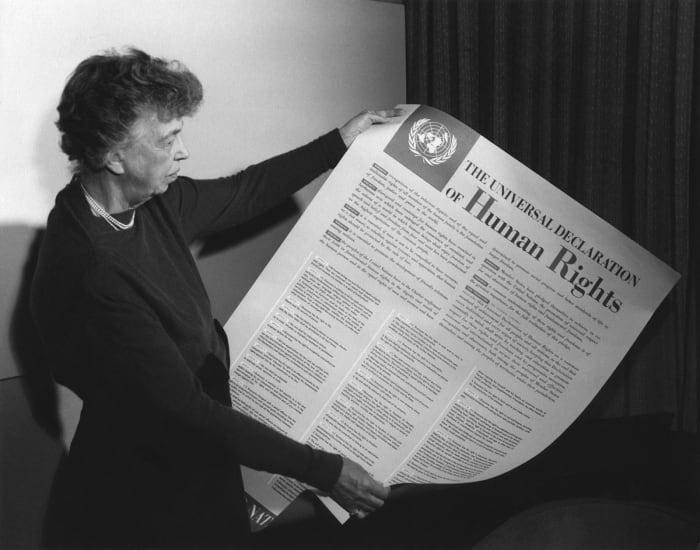 Eleanor Roosevelt Az emberi jogok egyetemes nyilatkozatával (1949)   ClimeNews