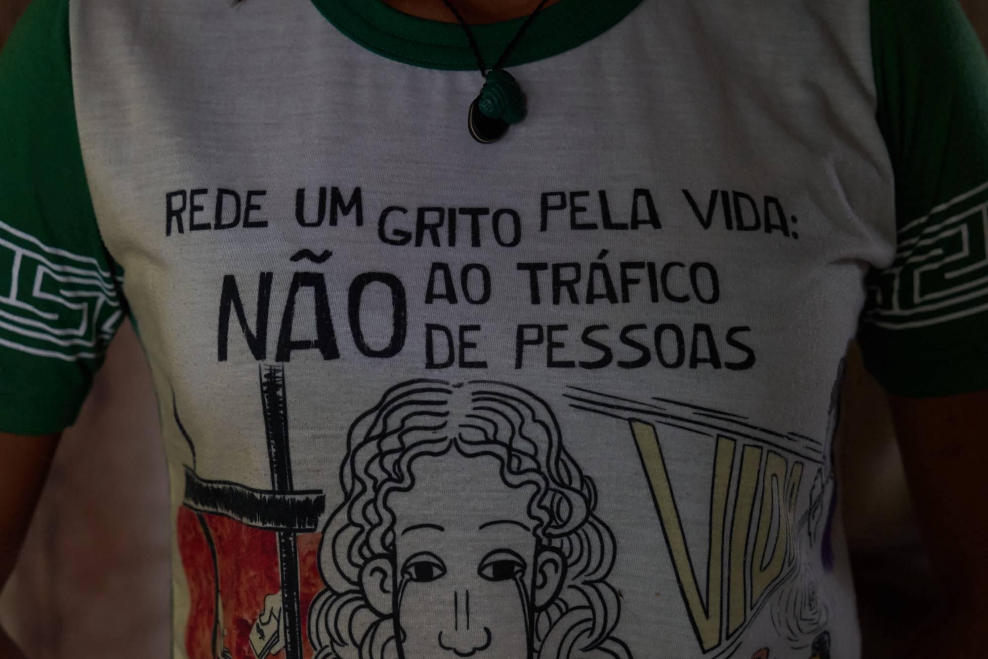 """camiseta de """"Rede Um Grito Pela Vida: Não Ao Tráfico de Pessoas"""""""