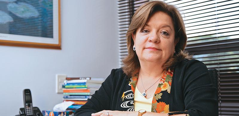 Gloria María Borrero: De la consultoría al Ministerio