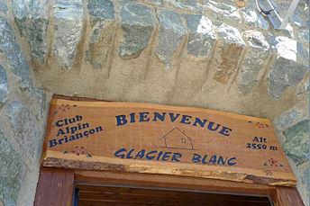 Refuge du Glacier Blanc dans les Alpes