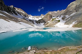 Superbe couleur du lac des Béraudes