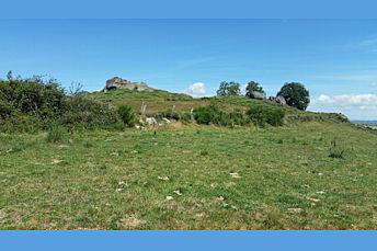 Petit sommet constitué de rochers
