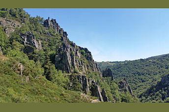 Dans les gorges en Auvergne