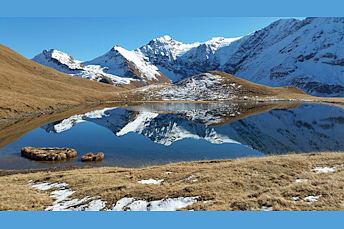 Superbe reflet sur le lac du Clou