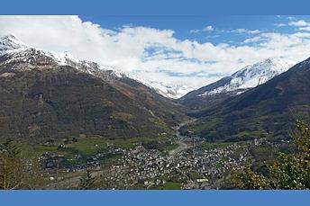 Vue panoramique sur la vallée de Luz