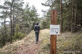 Panneaux informatifs le long de la randonnée