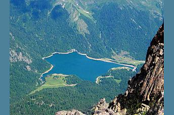 Lac de bious artigues depuis le sommet de l'Ossau