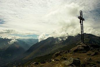 Croix au sommet du Viscos