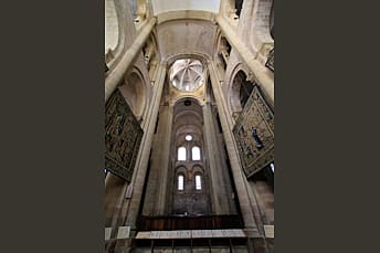 Intérieur de l'eglise de Conques