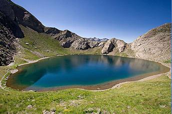 Randonnée au lac de la Bernatoire dans les Pyrénées