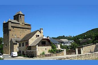 Eglise fortifiée d'Inières, près de Rodez