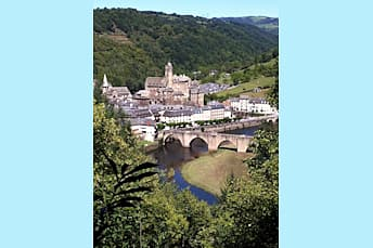 Randonnée à Estaing, un des Plus Beaux Villages de France
