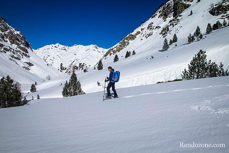 Randonnée en raquettes à neige dans les Hautes-Pyrénées