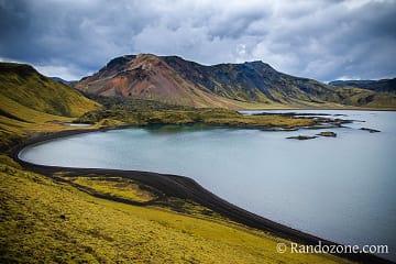 Ciel gris au dessus du Frostastaðavatn