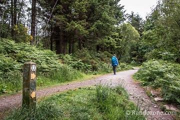 On part à droite pour commencer la randonnée