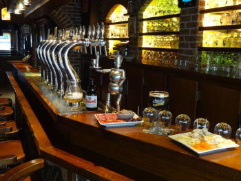 Le Gambrinus Pub + Bottle Store