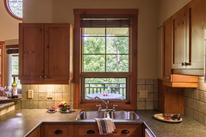 Tremblant Les Eaux 201-5 - Kitchen