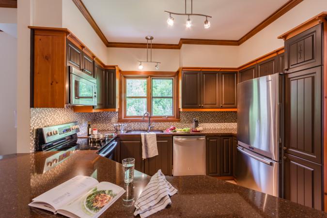 Le Plateau 204-5 - Kitchen