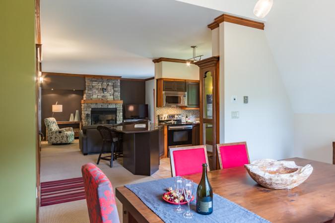 Le Plateau 204-5 - Living Area