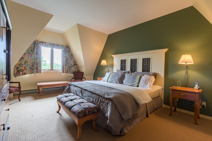 Le Plateau 208-5 - Master Bedroom
