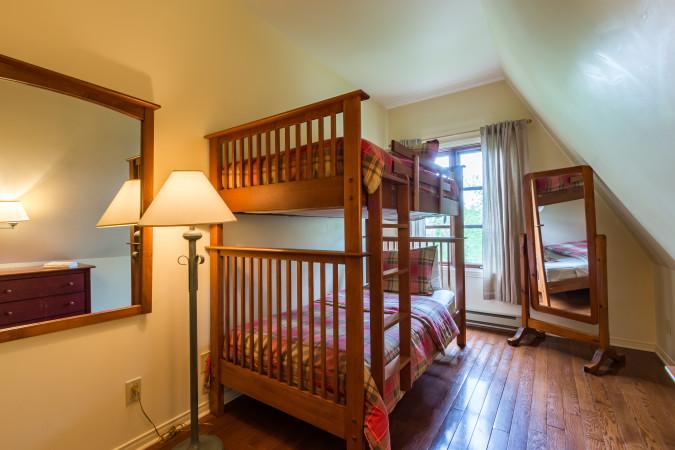 Le Plateau 210-2 - Bedroom Three