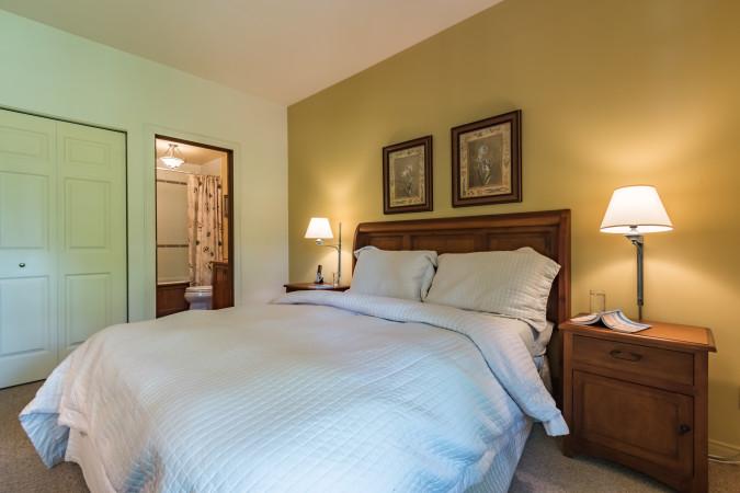 Le Plateau 226-5 - Master Bedroom