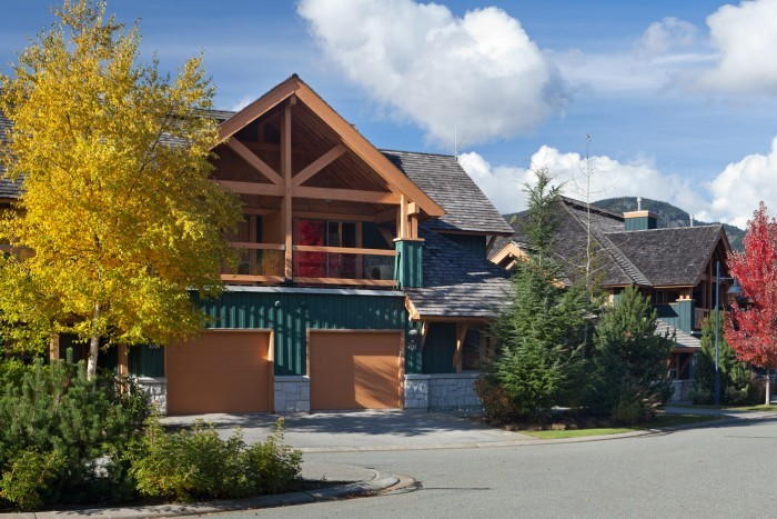 Montebello whistler premier for Montebello cabin rentals