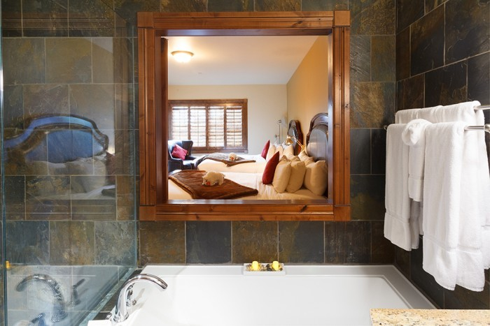 Double King Suite - Full Bathroom