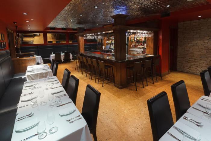 White Buffalo Club Single King Room - Restaurant