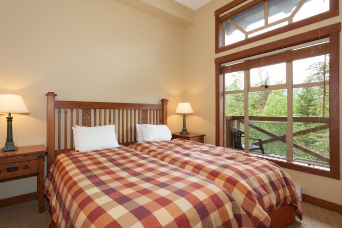 Horstman House - 3 Bedroom #301 - Photo - 01