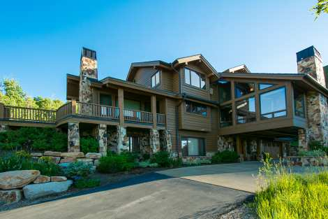 Park City Luxury Retreat - Photo - 01