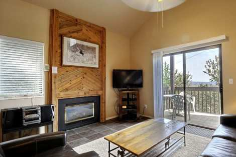 Red Pine 2 bedroom Plus Loft