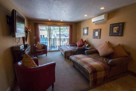 Treasure Mountain Inn - 1 Bedroom Condo #11