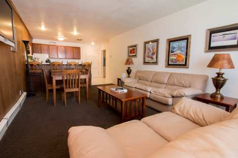 Treasure Mountain Inn - 2 Bedroom Condo #45