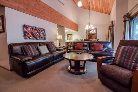 Lakeside 2 Bedroom Condo Rental in Deer Valley