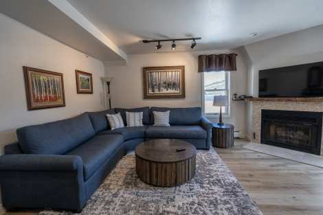 Blue Church Lodge | Unit D - 2 bedroom