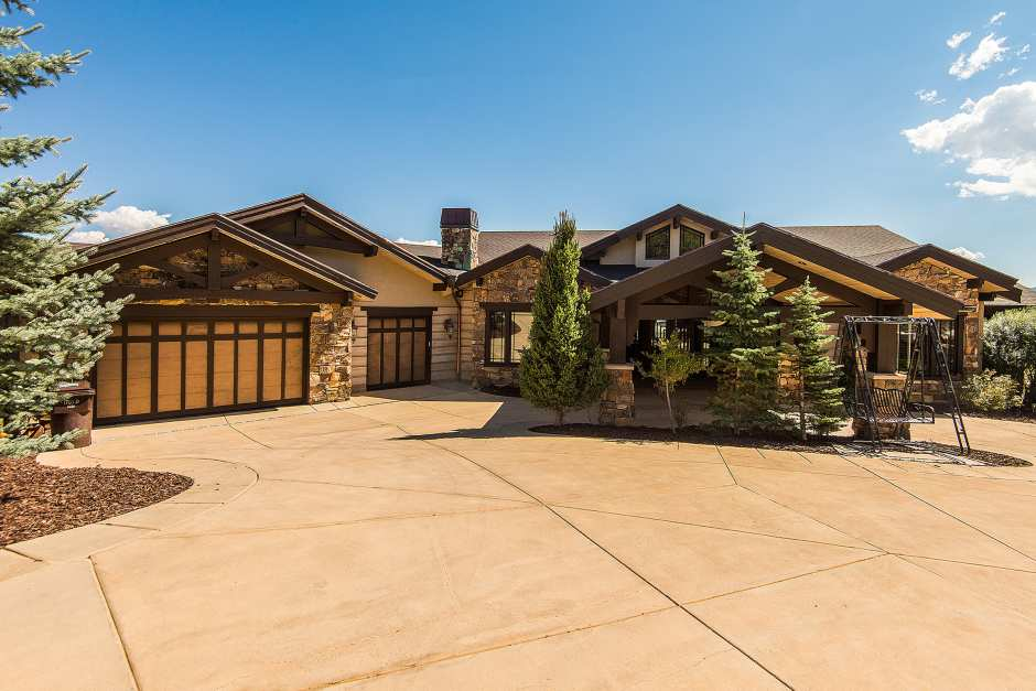 6 Bedroom Luxury Estate with Canyons Views - Photo - 01