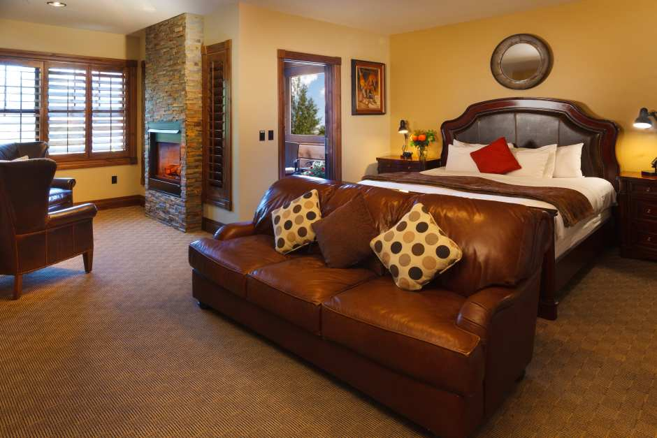 Two Bedroom Suite   Bedroom One. Hotel Suite in Jackson Hole   White Buffalo Club 2 Bedroom