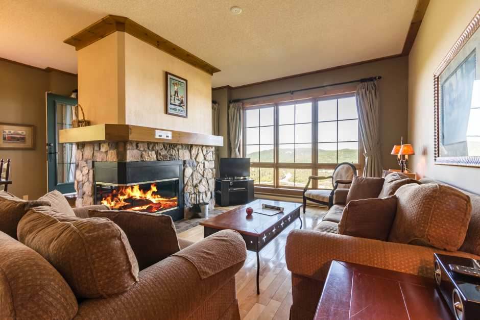 Equinox 152-5 - Living Room