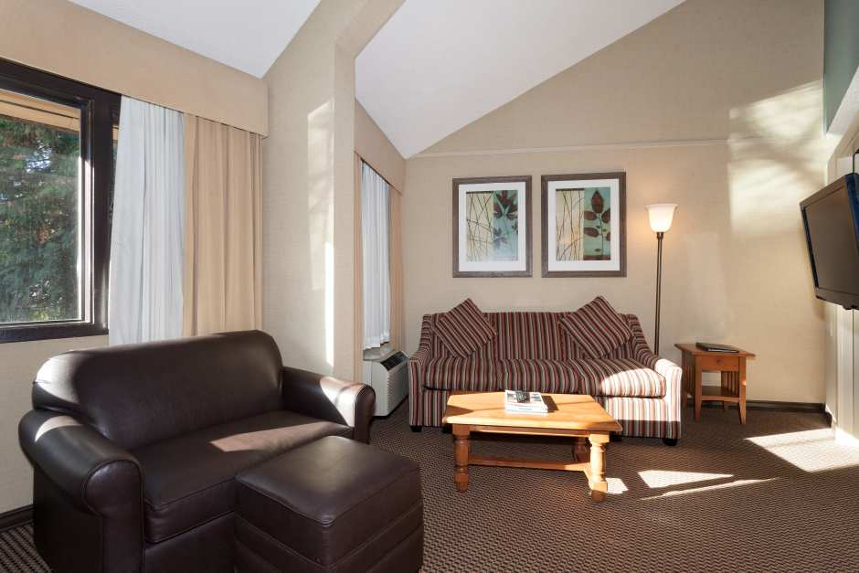 1 Bedroom + Loft - Photo - 02