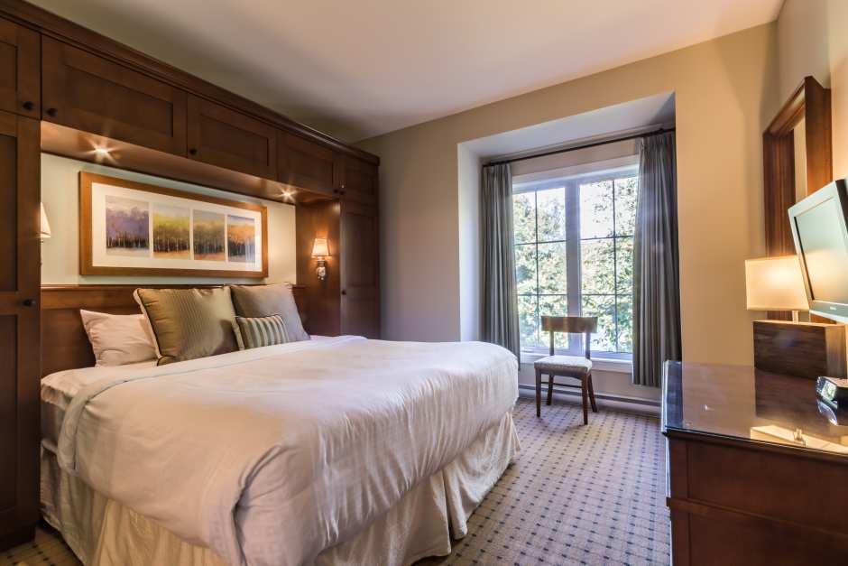 One Bedroom Suite - Photo - 01