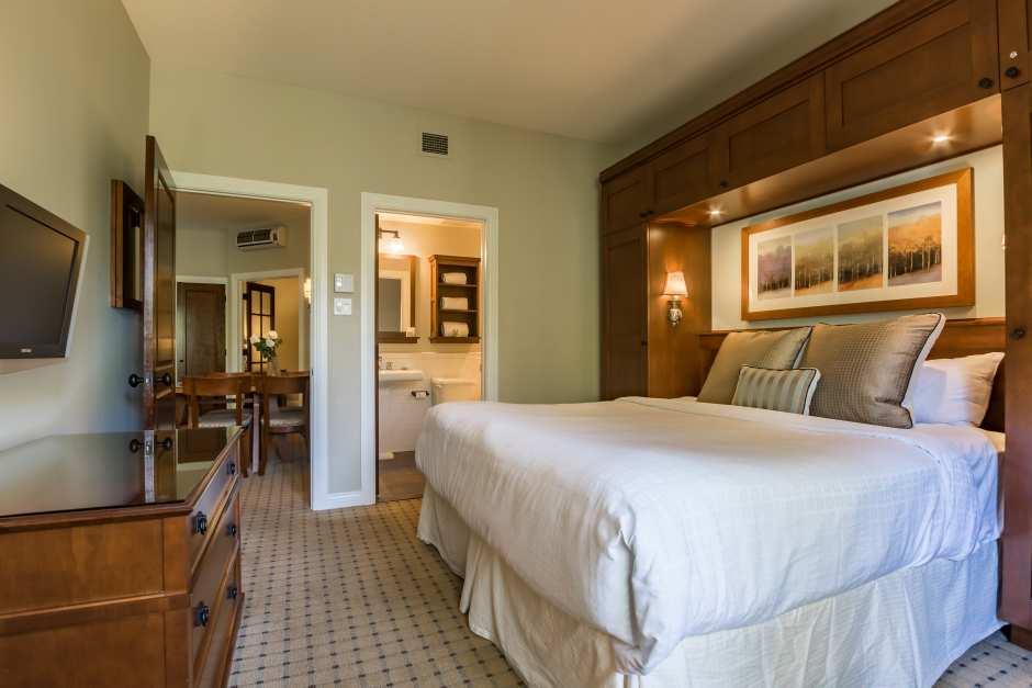 Two Bedroom Suite - Photo - 01